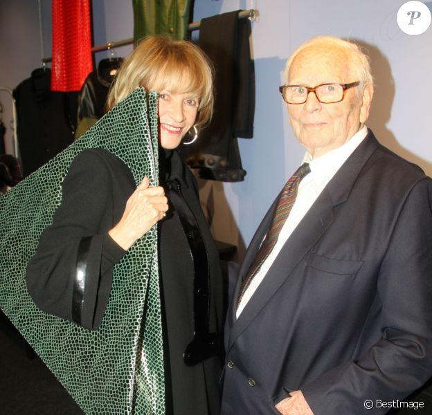 """Eve Ruggieri et Pierre Cardin - Inauguration du musée Pierre Cardin """"Passé-Présent-Futur"""" à Paris le 13 novembre 2014."""