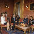 Le roi Felipe VI et la reine Letizia d'Espagne ont été reçus par le président du Sénat italien Pietro Grasso et sa femme à Rome, le 19 novembre 2014, lors de leur visite officielle inaugurale.