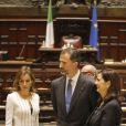 Le roi Felipe VI et la reine Letizia d'Espagne se sont rendus au palais Montecitorio (siège de la Chambre des députés) à Rome, le 19 novembre 2014, lors de leur visite officielle inaugurale.