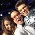 "Jean-Marc Généreux prend la pose avec les gagnants de ""Danse avec les stars 5"", Denitsa Ikonomova et Rayane Bensetti. Novembre 2014."