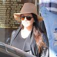 Kourtney Kardashian en pleine séance de shopping en compagnie de sa famille à Los Angeles Le 29 Novembre 2014