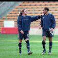 Emmanuel Petit et Thierry Henry à l'entraînement, le 20 avril 2000 à Londres