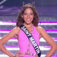 Miss Saint-Martin défile en maillot de bain, lors de la cérémonie de Miss France 2015 sur TF1, le samedi 6 décembre 2014.