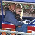 Exclusif - Anna Faris et son mari Chris Pratt emmènent leur fils Jack, deux ans, au Travel Town Museum à Los Angeles, le 14 décembre 2014.