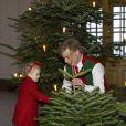 La princesse Estelle de Suède lors de la réception des sapins de Noël au palais royal à Stockholm le 17 décembre 2013.