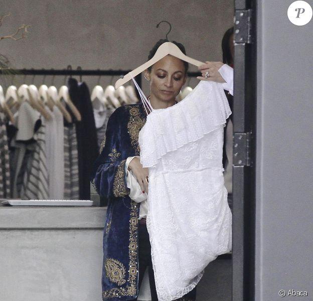 Nicole Richie est allée faire du shopping à Malibu le 19 décembre 2014