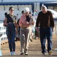 Katie Holmes avec ses parents à Malibu, le 25 novembre 2014