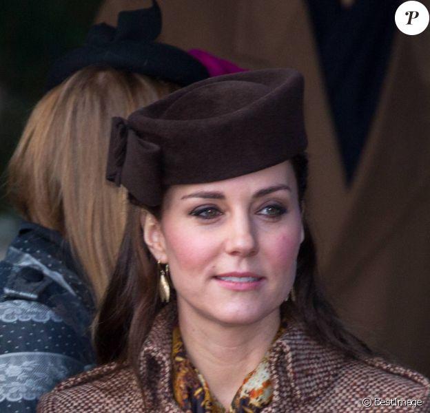 Kate Middleton, duchesse de Cambridge, le 25 décembre 2014 lors du rassemblement de la famille royale pour la messe de Noël à Sandringham.