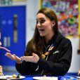 Kate Middleton, duchesse de Cambridge, le 16 décembre 2014 lors d'une rencontre avec des scouts
