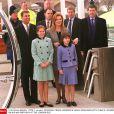 Le prince Andrew lors de son 40e anniversaire, en 2000, avec Sarah Ferguson, duchesse d'York, et leurs filles Beatrice et Eugenie.
