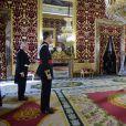 Le roi Felipe VI d'Espagne reçoit les lettres de créance des ambassadeurs, au palais royal, à Madrid, le 8 janvier 2015
