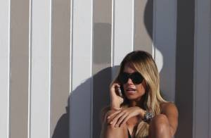 Sylvie van der Vaart : Sculpturale en bikini sous le soleil de Miami
