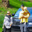 Fergie et Josh Duhamel de sortie avec le petit Axl à Brentwood, Los Angeles, le 9 janvier 2015.