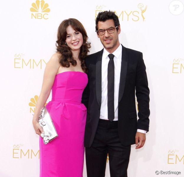 Zooey Deschanel et son nouveau compagnon Jacob Pechenik lors de la 66e cérémonie annuelle des Emmy Awards au Nokia Theatre à Los Angeles, le 25 août 2014.