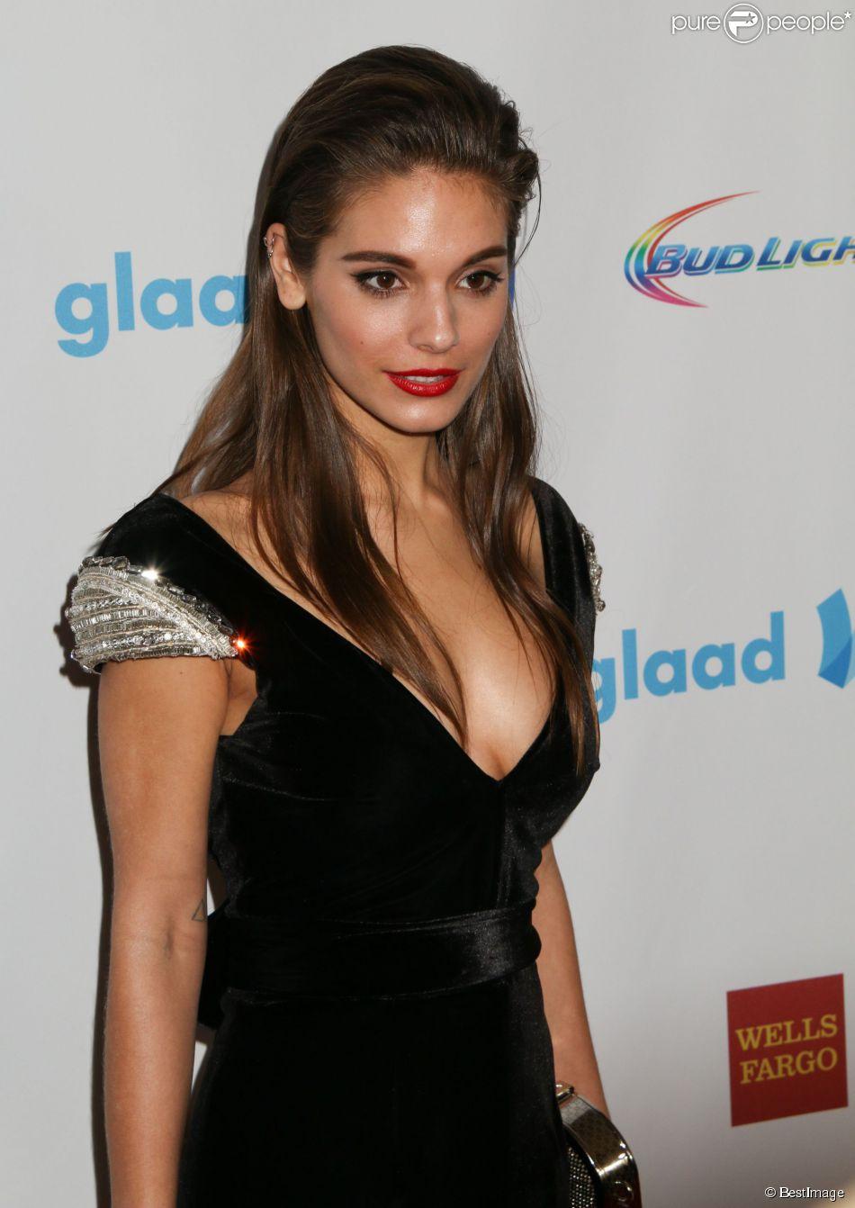Caitlin Stasey - 25e édition des GLAAD Media Awards à Los Angeles le 12 avril 2014