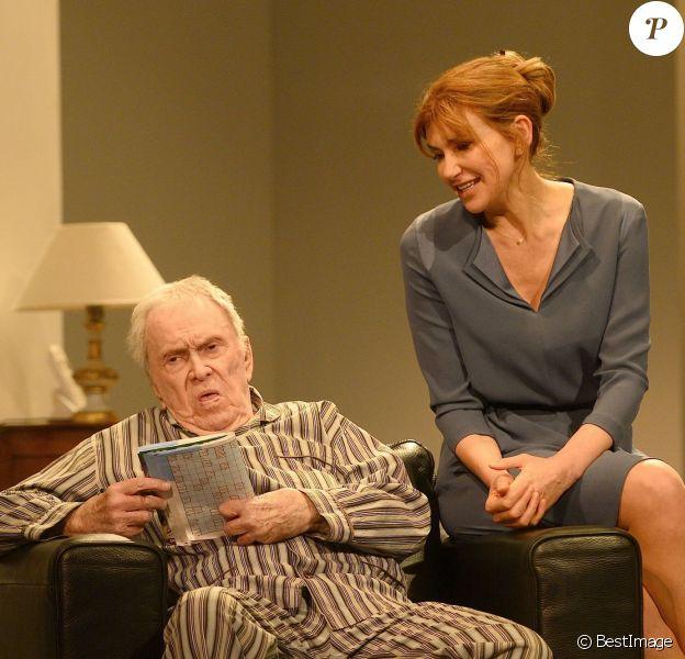 """Robert Hirsch et Florence Pernel - Filage de la pièce """"Le Père"""" à la Comédie des Champs-Elysées à Paris, le 12 janvier 2015."""