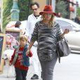 Ali Larter et son fils Theodore à Los Angeles, le 5 démcebre 2014.
