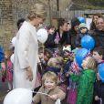 La comtesse Sophie de Wessex, accompagnée par son mari le prince Edward, rencontrait le 20 janvier 2015, jour de ses 50 ans, des personnes du programme Tomorrow's People Social Entreprises de l'association Tomorrow's People, dont elle est la marraine. Un gâteau d'anniversaire personnalisé l'attendait...