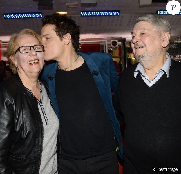 """Bénabar et ses parents Liliane et Michel - Enregistrement de l'émission """"Vivement Dimanche"""" à Paris le 21 janvier 2015. L'émission sera diffusée le 25 janvier."""