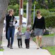 Jennifer Garner se promène avec son fils Samuel et une autre maman avec son enfant à Los Angeles, le 29 janvier 2015