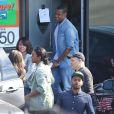 Exclusif - Jay Z, Tina Knowles, Kelly Rowland et son mari Tim Witherspoon quittent le restaurant My Two Cents après un déjeuner en famille. Los Angeles, le 25 janvier 2015.