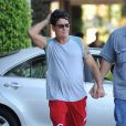 Charlie Sheen en grande forme dans les rues de Los Angeles, le 25 septembre 2014.