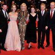 Richard Madden, Lily James, Cate Blanchett, Helena Bonham Carter, Kenneth Branagh et Stellan Skarsgard lors de la première de Cendrillon à la Berlinale, le 13 février 2015.