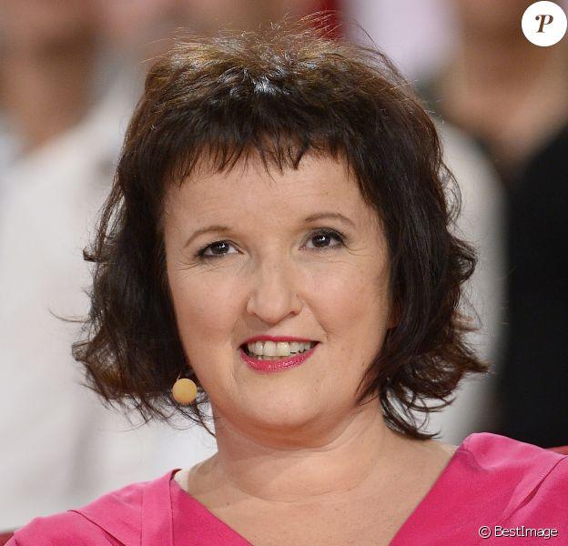 Anne Roumanoff, à l'enregistrement de l'émission Vivement Dimanche, diffusée le 16 novembre 2014.