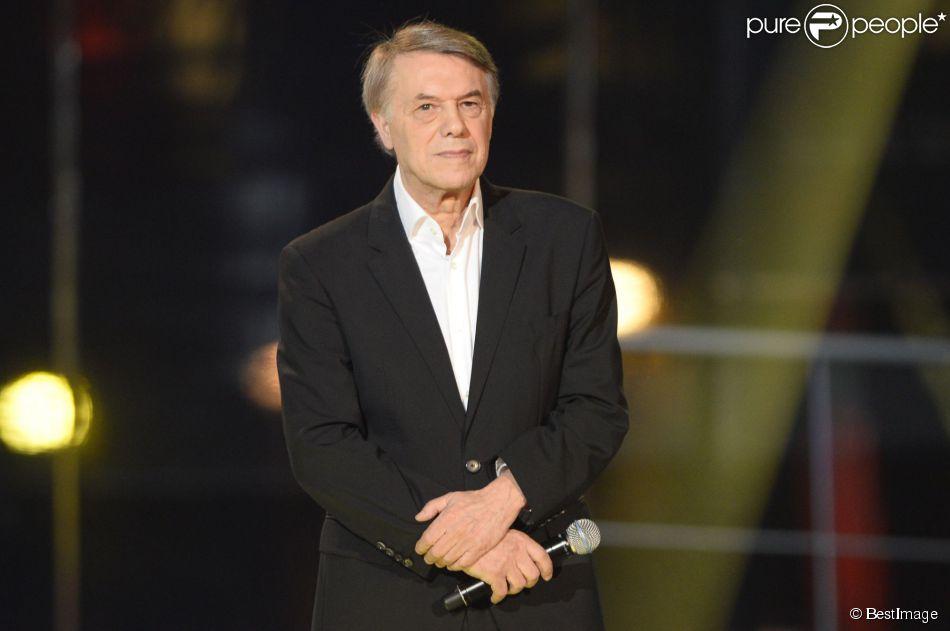 Salvatore Adamo lors du 28e Téléthon au Champ de Mars à Paris le 6 décembre 2014