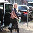 Hilary Duff, son mari Mike Comrie et leur fils Luca dans les rues de Studio City, le 18 février 2015