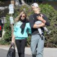 Fergie, Josh Duhamel et leur fils Axl se rendent chez des amis à Brentwood le 6 février 2015