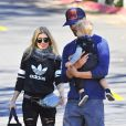 Fergie et Josh Duhamel emmènent leur fils Axl jouer au parc à Los Angeles, le 23 janvier 2015