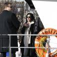 Shannen Doherty       en promenade à Paris, le 23 février 2015. Après un déjeuner au restaurant indien Kashmir (Saint-Germain), elle a rendu visite, avec son meilleur ami Chris Cortazzo, à Paul Watson sur le bateau Brigitte Bardot, actuellement sur la Seine.