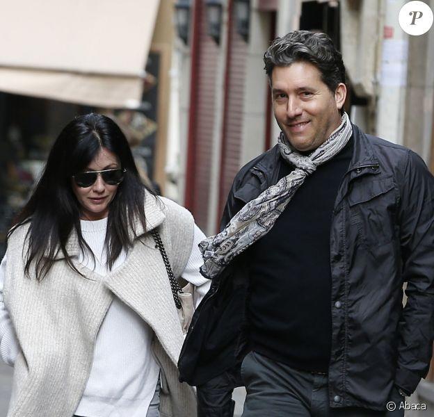 Shannen Doherty et son ami Chris Cortazzo en promenade à Paris, le 23 février 2015. Après un déjeuner au restaurant indien Kashmir (Saint-Germain), ils ont rendu visite à Paul Watson sur le bateau Brigitte Bardot, actuellement sur la Seine.