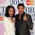 Lionel Richie et sa petite-amie Lisa Parigi - 35e cérémonie des Brit Awards à l'O2 Arena de Londres, le 25 février 2015.