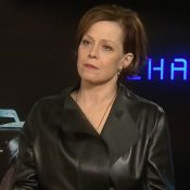Sigourney Weaver, icône de la science-fiction, en interview pour ''Chappie''