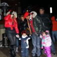 Mariah Carey, son mari Nick Cannon et leurs jumeaux Moroccan et Monroe sortent se promener a Aspen, le 23 decembre 2013 ou ils passent quelques jours.