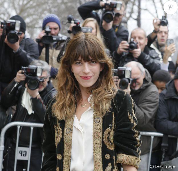 """Lou Doillon - Arrivées au défilé de mode """"Chanel"""", collection prêt-à-porter automne-hiver 2015/2016, à Paris. Le 10 mars 2015"""