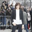 """Inès de la Fressange - Arrivées au défilé de mode """"Chanel"""", collection prêt-à-porter automne-hiver 2015/2016, à Paris. Le 10 mars 2015"""