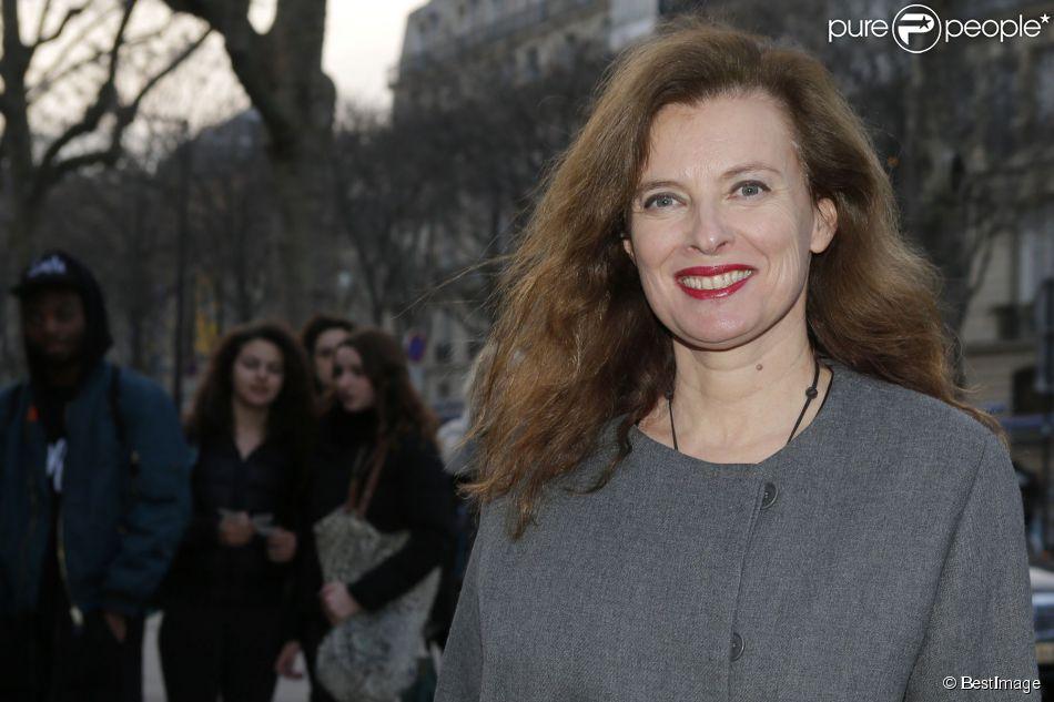 """Valérie Trierweiler - Arrivées au défilé de mode """"Paul & Joe"""", collection prêt-à-porter automne-hiver 2015/2016, à Paris. Le 10 mars 2015"""