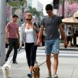 Novak Djokovic et sa belle Jelena Ristic promènent leurs chiens à West Hollywood, le 10 mars 2015