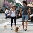 Novak Djokovic, Jelena Ristic et leurs petits chiens dans les rues de West Hollywood, le 10 mars 2015