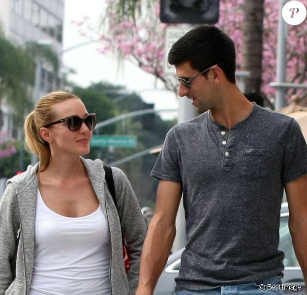 Novak Djokovic et sa belle Jelena Ristic, amoureux dans les rues de West Hollywood, le 10 mars 2015
