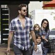 Scott Disick, Kourtney Kardashian et leurs enfants Mason et Penelope à Los Angeles. Le 10 mars 2015.