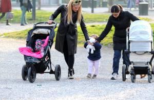 Michelle Hunziker, maman : Promenade câline avec Sole et son nouveau-né, Celeste