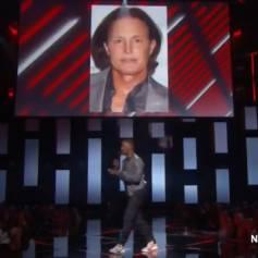 Jamie Foxx fait une blague douteuse sur la tansformation de Bruce Jenner lors iHeartRadio Music Awards à Los Angeles le 29 mars 2015