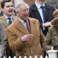 Le prince Charles et Camilla Parker Bowles, duchesse de Cornouailles, lors de la course de moutons (Lamb National) à Ascot le 29 mars 2015.