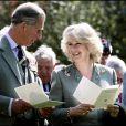Le prince Charles et la duchesse Camilla à Aberdeen le 24 avril 2005, quinze jours après leur mariage.