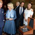 Le prince Charles et la duchesse Camilla lors du lancement de Travels to My Elephant à Clarence House à Londres, le 26 mars 2015.
