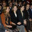 La reine Letizia d'Espagne assurait au nom de sa fille Leonor, princesse des Asturies, la remise du Prix Princesse de Gérone pour la recherche scientifique, le 9 avril 2015 à la résidence étudiante de Madrid.